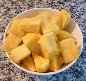 Photo of ripe pineapple  / www.super-seafood-recipes.com