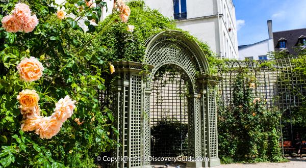 Paris Parks and Gardens - Jardin Anne Frank in the Marais