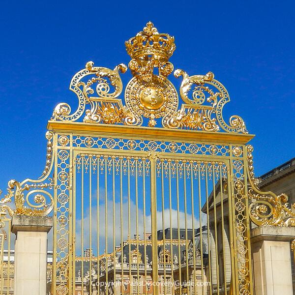 Versailles - entrance gate