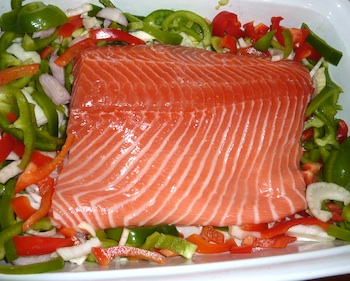 Picture of Uncooked Salmon and Veggies / www.super-seafood-recipes.com
