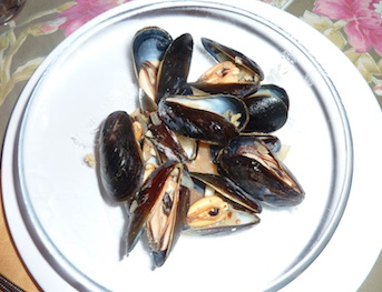 Photo of mussels in black bean sauce / www.super-seafood-recipes.com