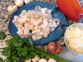 Photo of ingredients for seafood casserole with shrimp, scallops, and mussels / www.super-seafood-recipes.com