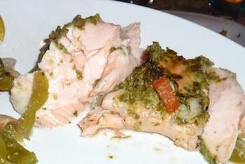 Photo of baked salmon with cilantro-garlic pesto/ www.super-seafood-recipes.com