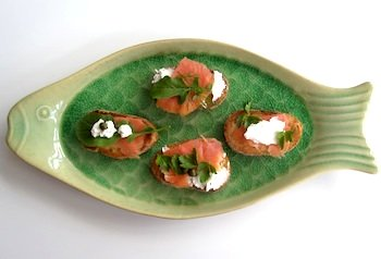 Photo of Bruschetta with smoked salmon / www.super-seafood-recipes.com