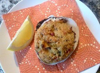 Photo of shrimp pizza / www.super-seafood-recipes.com