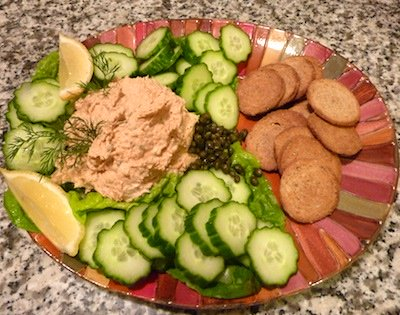 Easy Salmon Appetizer / www.super-seafood-recipes.com